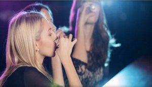 girls drinkinf 1st tw apr 16